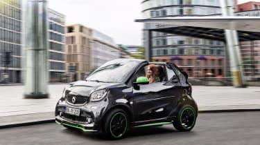 Smart ForTwo Cabrio Electric Drive - driving