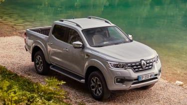 Renault Alaskan - front static