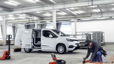 Toyota Proace City van - front static