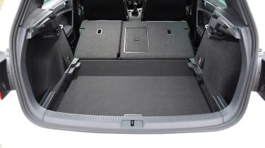 Volkswagen Golf R-Line - boot seats down