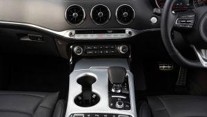 2021 Kia Stinger GT-S 3.3 T-GDi V6 - centre console