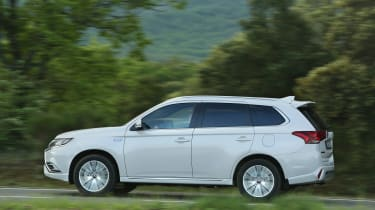 Mitsubishi Outlander PHEV - side