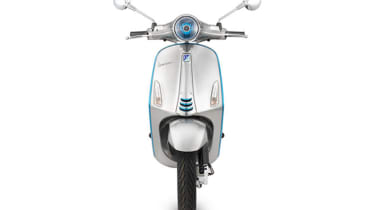 Vespa Elettrica electric scooter - front