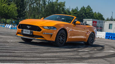 Ford Mustang doughnut front
