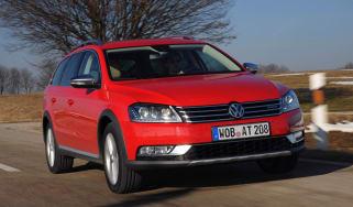 VW Passat Alltrack front track