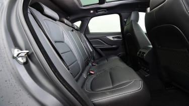 Jaguar F-Pace 3.0 V6D - rear seats