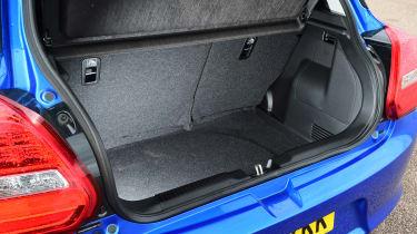Suzuki Swift - boot