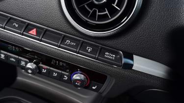 Audi S3 Saloon 2017 - dashboard