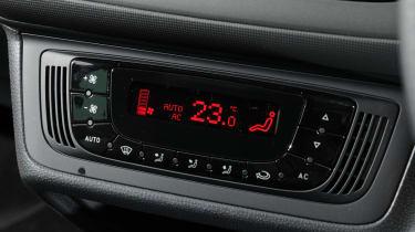 SEAT Ibiza ST centre console