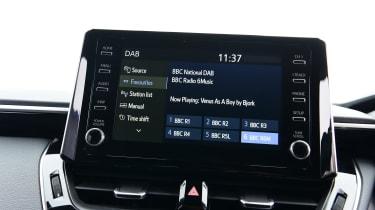 Toyota Corolla Touring - screen