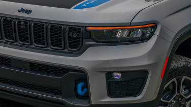 Jeep Grand Cherokee 4xe - front light
