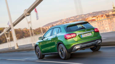 Mercedes GLA 2017 facelift rear tracking