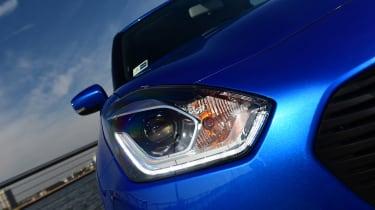 Suzuki Swift - front light