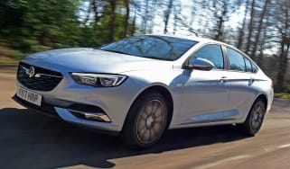 Vauxhall Insignia Grand Sport 2017 - front tracking