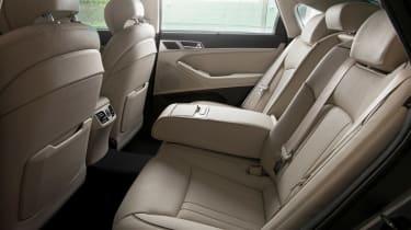 Hyundai Genesis 2014 rear seats