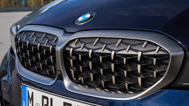BMW M340i xDrive - grille