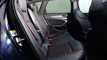 Audi RS 6 - rear seats