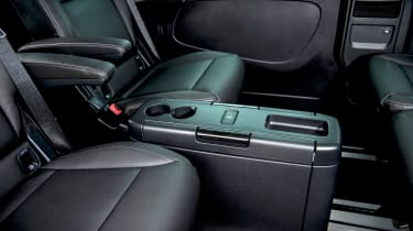 Renault Trafic SpaceClass - table