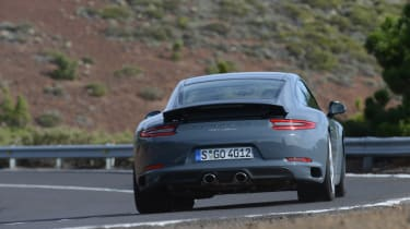 Porsche 911 Carrera 2015 rear cornering