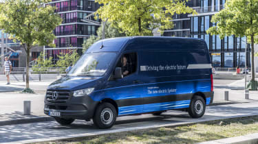 Mercedes e-Sprinter - side static