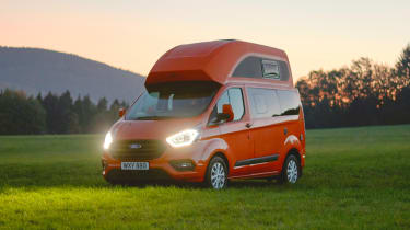 Ford Transit Custom Nugget - front 3/4 static