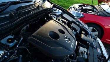 Mazda 3 vs Volkswagen Golf - engines