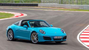 Porsche 911 Targa 4S 2016 - front quarter