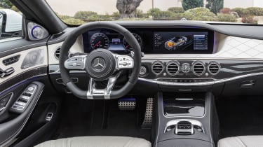 Mercedes-AMG S 63 - dash