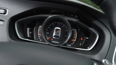Volvo V40 Cross Country - dials