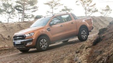Ford Ranger 2016 on hill