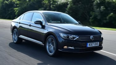 Used Volkswagen Passat - front action