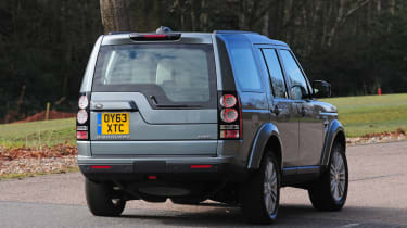 Land Rover Discovery 2014 rear action