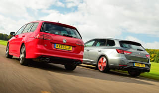 Volkswagen Golf R Estate vs SEAT Leon ST Cupra 280 rear tracking