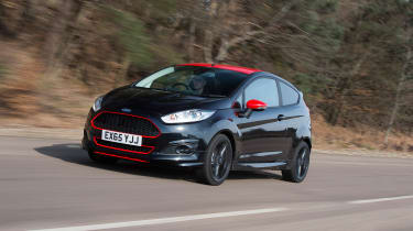 SEAT Ibiza SC FR vs Ford Fiesta Zetec S Black Edition - Fiesta front tracking