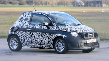 2020 Fiat 500 - spies - front 3/4 tracking