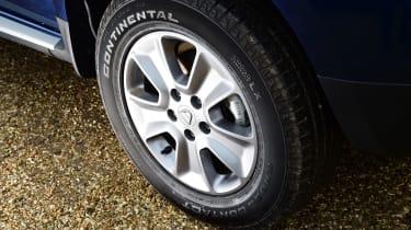 Dacia Duster automatic 2017 - wheel