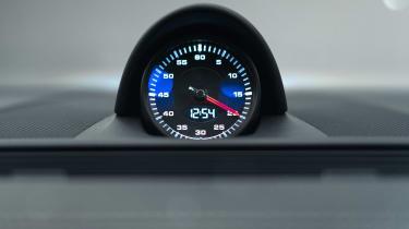 Porsche Panamera - studio clock