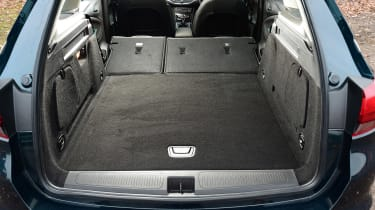 Vauxhall Astra ST - boot seats down