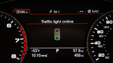 Audi connect traffic light