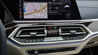 BMW X7 - infotainment