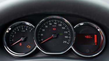 Dacia Sandero Stepway dials