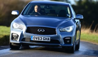 Infiniti Q50 Hybrid front action