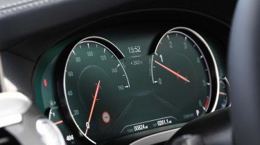 BMW X3 - dials