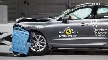 Volvo XC60 - Frontal Offset Impact test