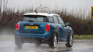 MINI Countryman 2017 - rear cornering