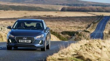 New Hyundai i30 - front panning