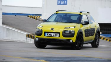 Used Citroen C4 Cactus - front action