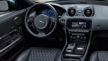 Jaguar XJR575 - interior