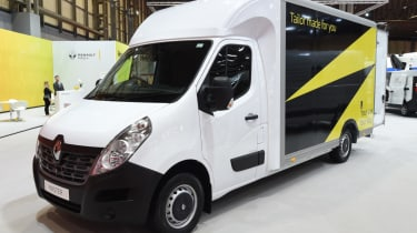 Renault Master front