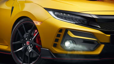 Honda Civic Type R Limited Edition - front light